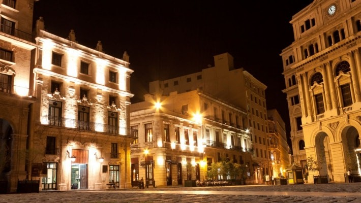 havana-by-night-free-walking-tour-5