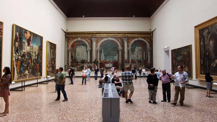 visita-guiada-por-la-galeria-academia-2