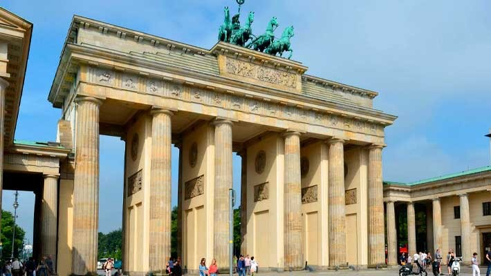berlin-and-nazism-history-free-walking-tour-3