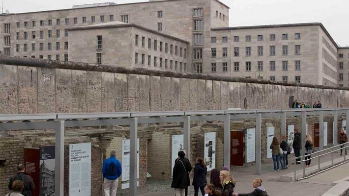 berlin-and-nazism-history-free-walking-tour-5