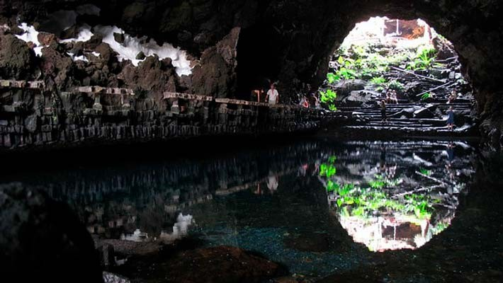 tour-timanfaya-and-jameos-del-agua-3