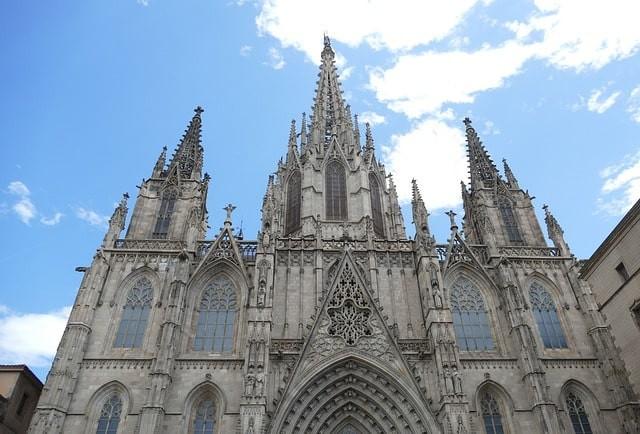 que ver gratis en barcelona catedral.jpg