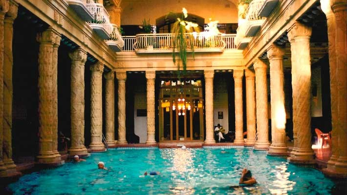 szechenyi-thermal-bath-tour-and-tickets-1