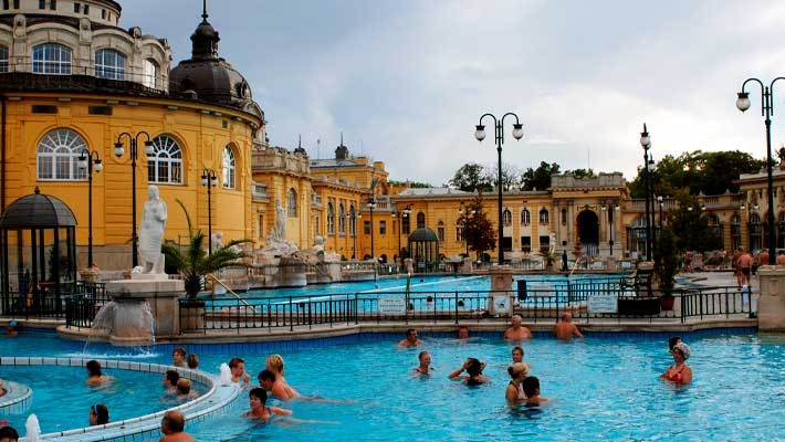 szechenyi-thermal-bath-tour-and-tickets-3