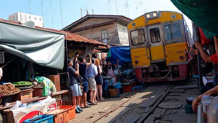 mercado-flotante-mercado-via-tren-bangkok-tailandia-5