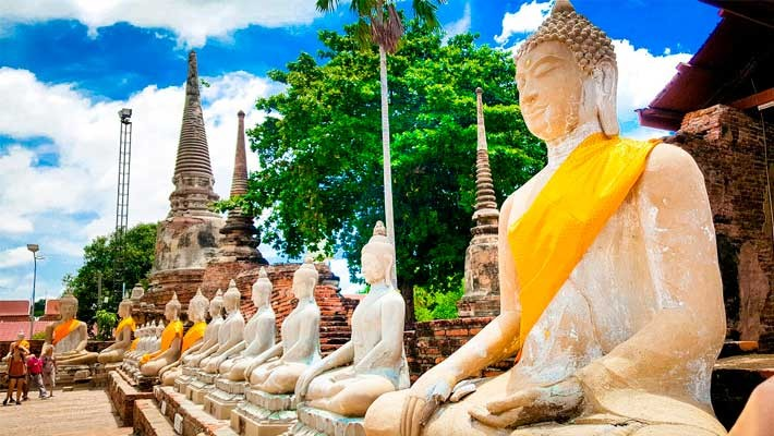 ruins-of-ayutthaya-guided-tour -4