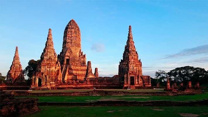 ruins-of-ayutthaya-guided-tour -7