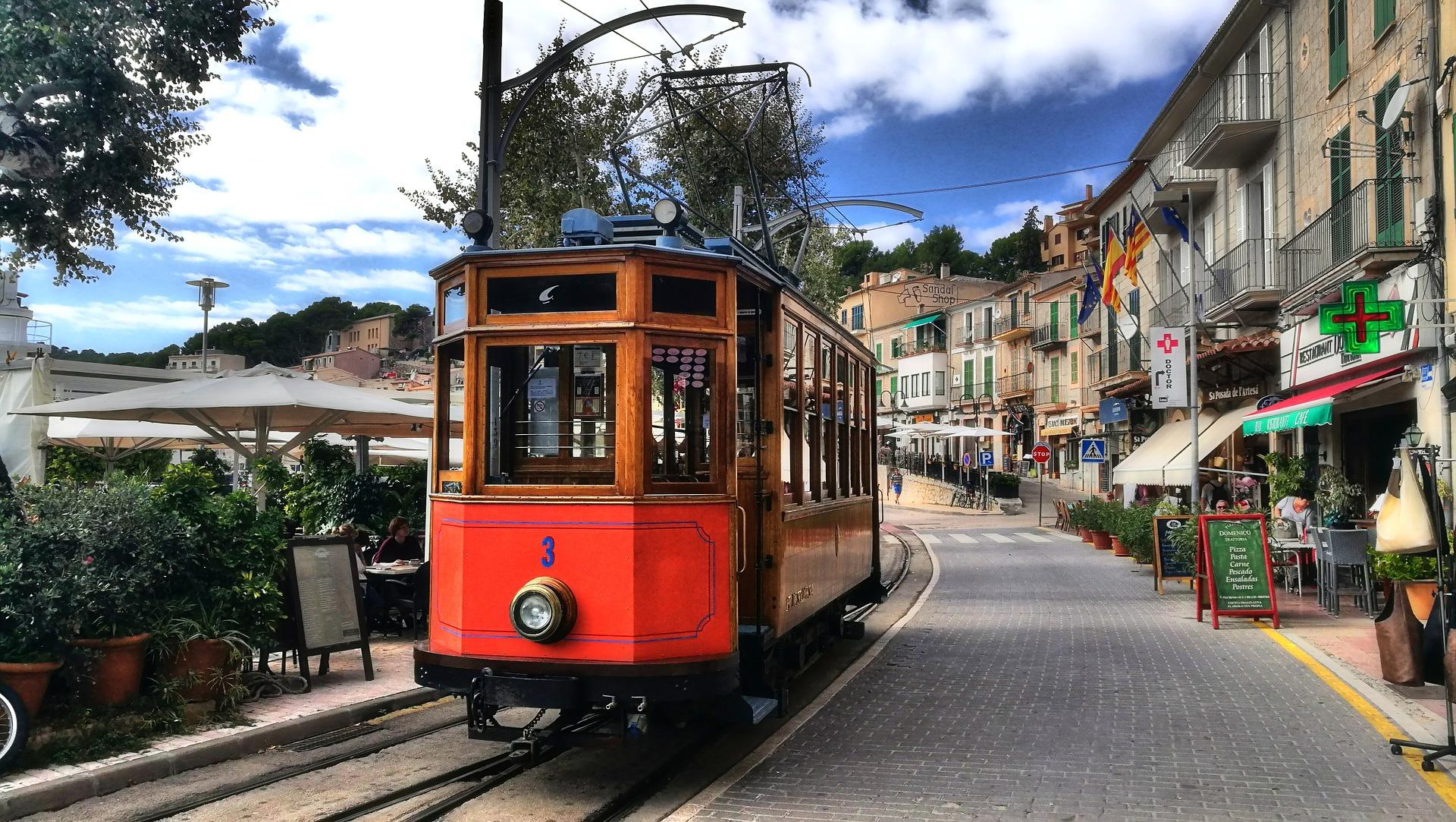 Private-excursion-to-Soller-by-train-and-tram-1