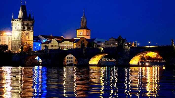 prague-dinner-and-music-cruise-tickets-1