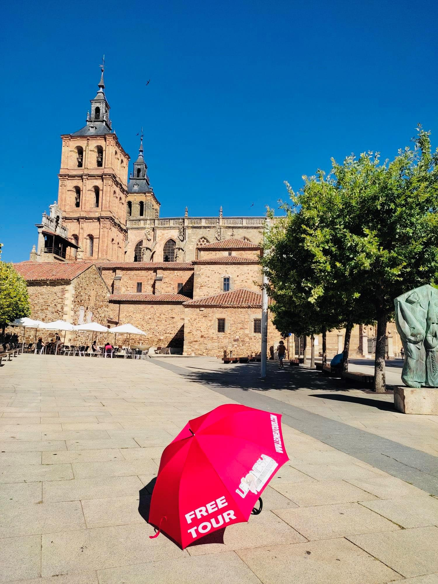 Astorga Essential Tour, Palace and Cathedral