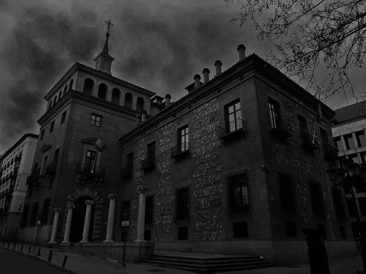 Free Tour Ghosts and Witches of Madrid
