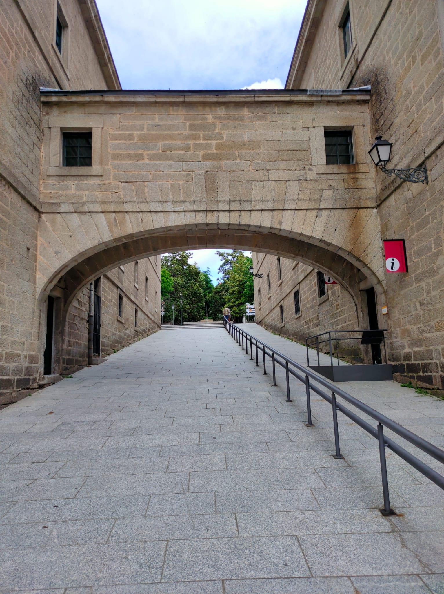 Tour-Monastery-of-El-Escorial-2