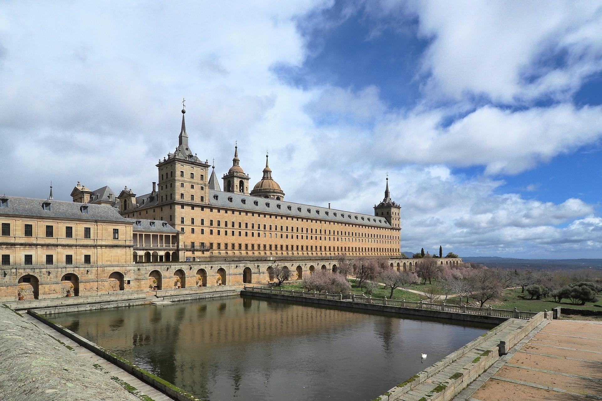 Tour Monastery of El Escorial