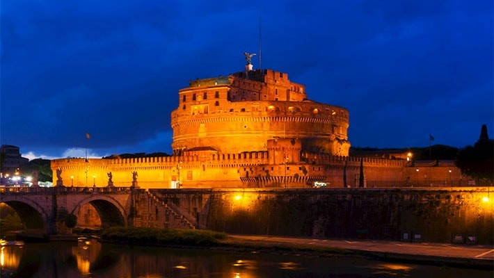 roma-by-night-free-walking-tour-2