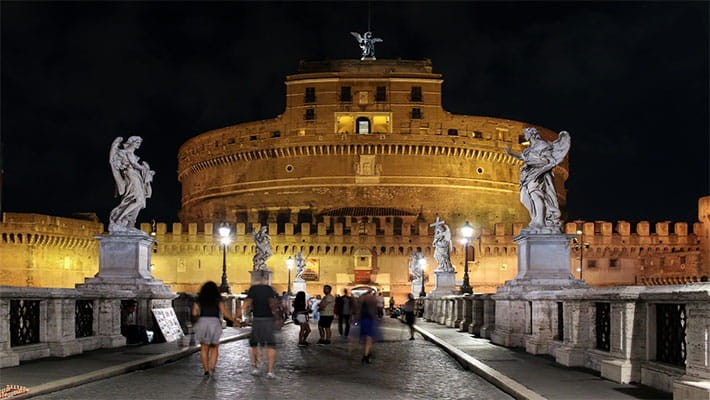 roma-by-night-free-walking-tour-6