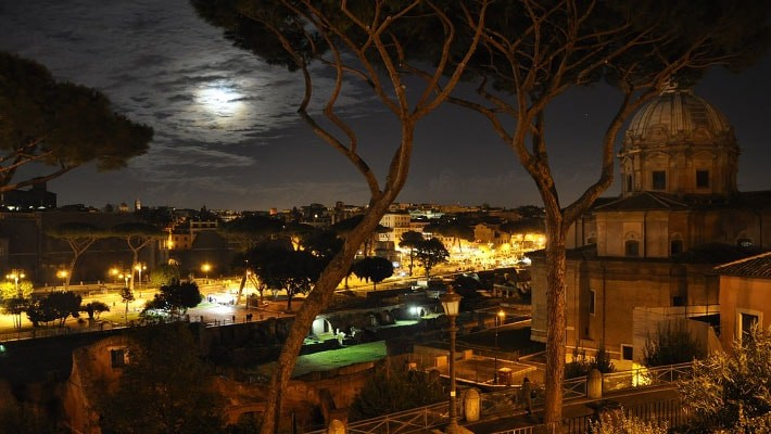 roma-by-night-free-walking-tour-8