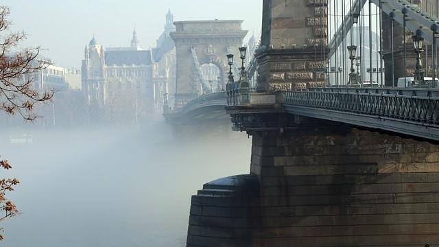 que ver gratis en budapest puente de las cadenas.jpg