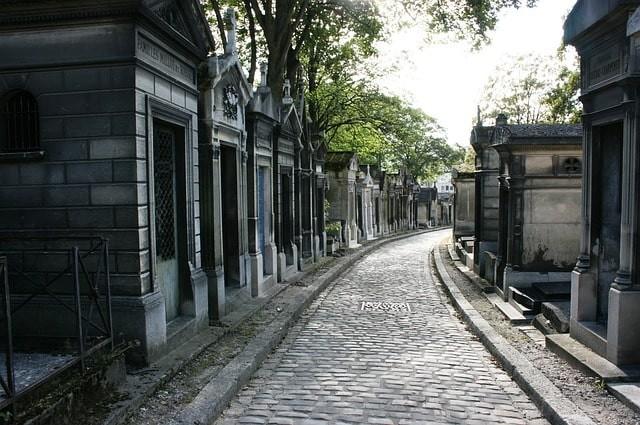 que ver gratis en paris cementerio.jpg