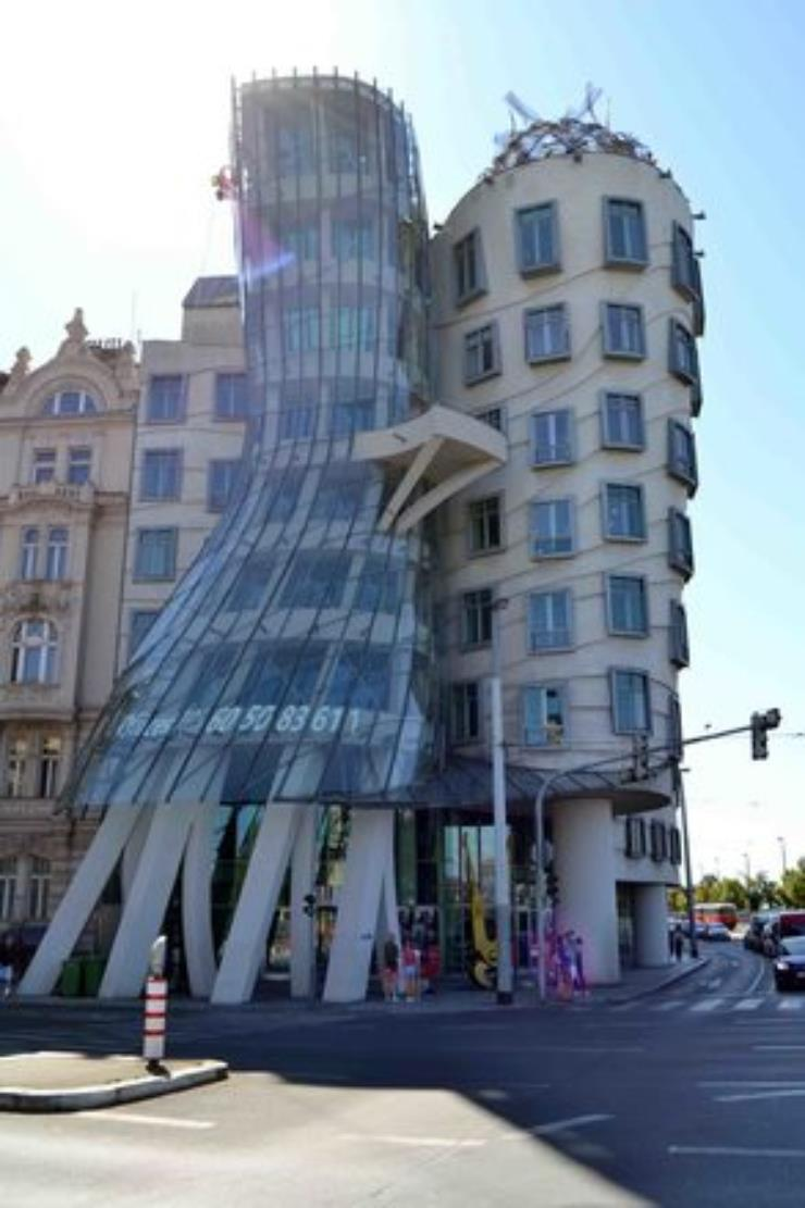 New-Town---History-of-Communism-and-Nazism-2