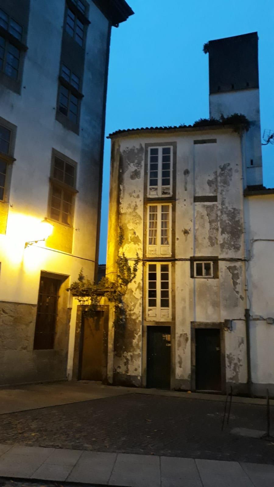 Free-tour-Solo-para-Adultos-Santiago-de-Compostela-8