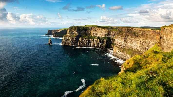 cliffs-of-moher-day-trip-7