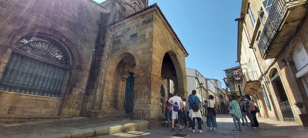 Free-Tour-Santiago-Essential-4