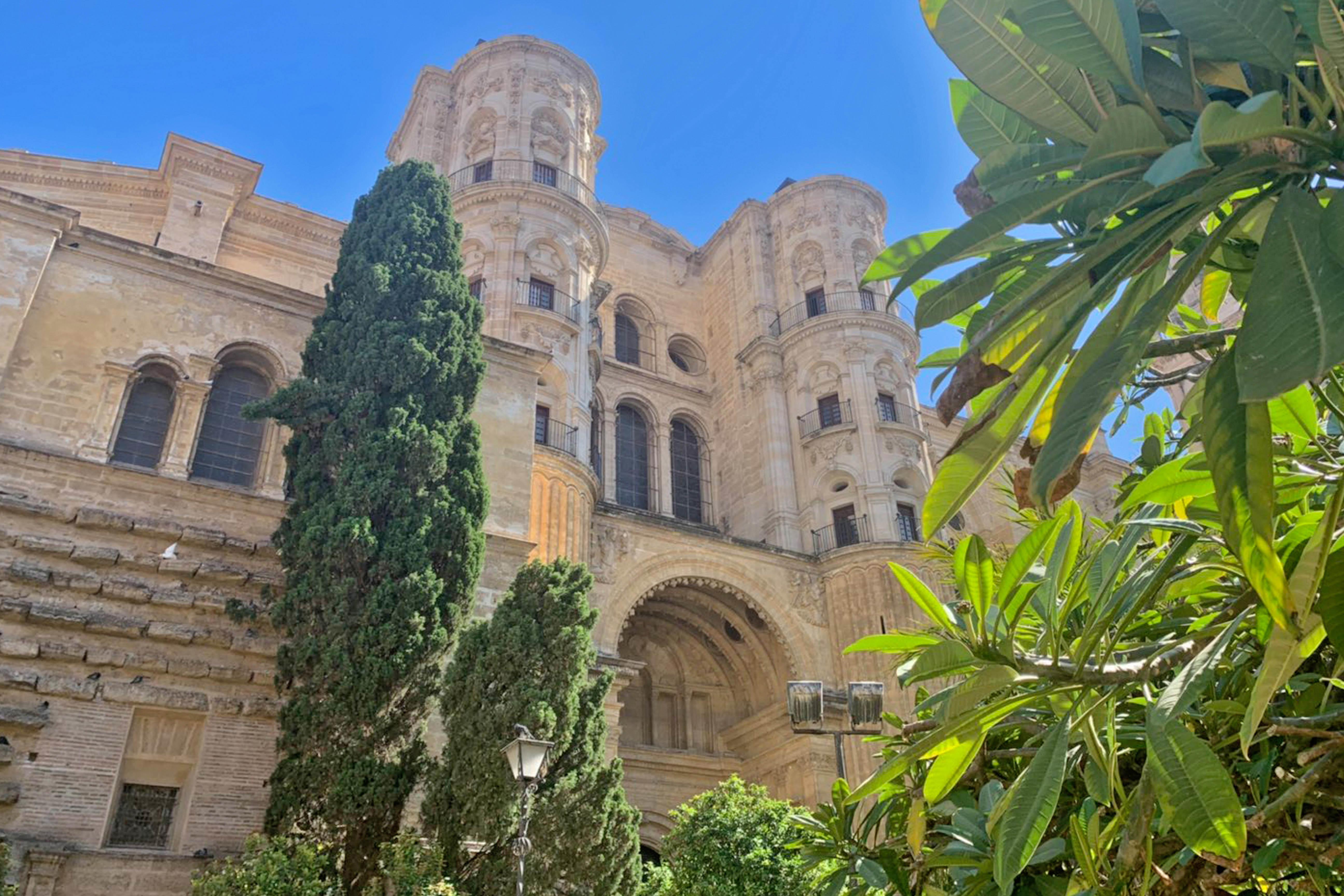 Free-Tour-historic-centre-of-Malaga-at-sunset-4