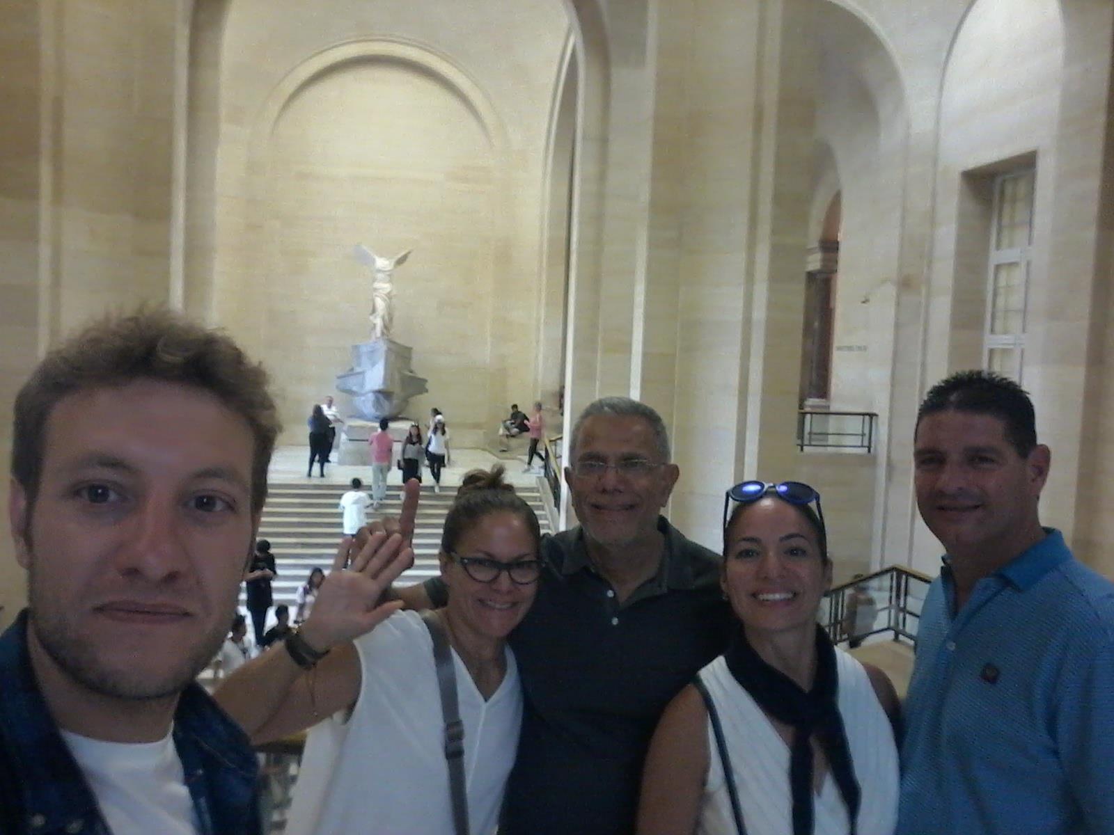 Tour-Museo-del-Louvre-1
