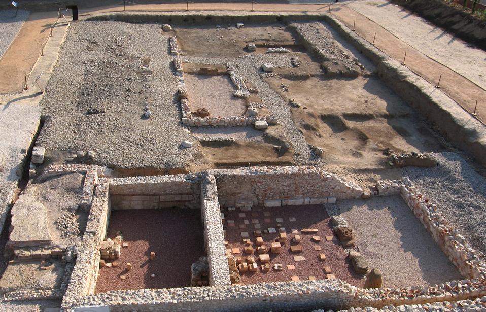 Free-Tour-ciudad-romana-de-Complutum-1