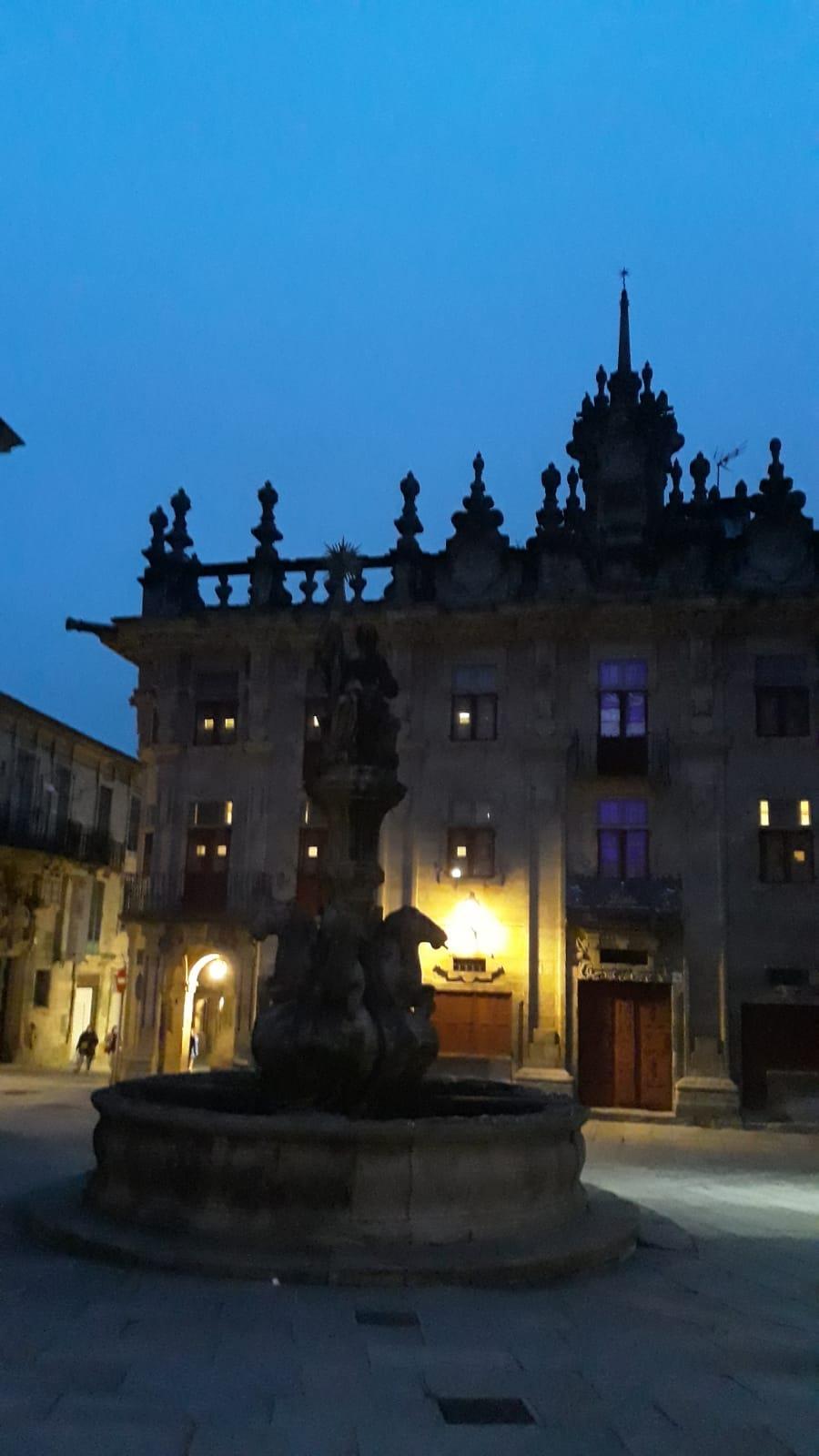 Free-tour-Solo-para-Adultos-Santiago-de-Compostela-6
