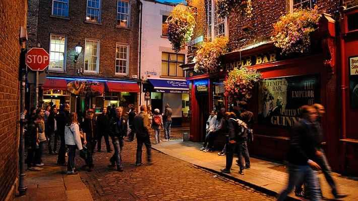temple-bar-tour-history-of-the-irish-pubs-1