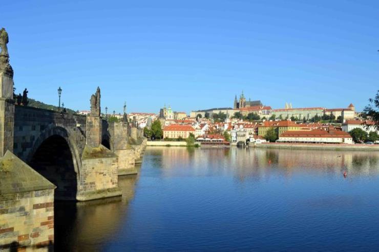 Free-Tour-Mala-Strana-y-Castillo-de-Praga-8