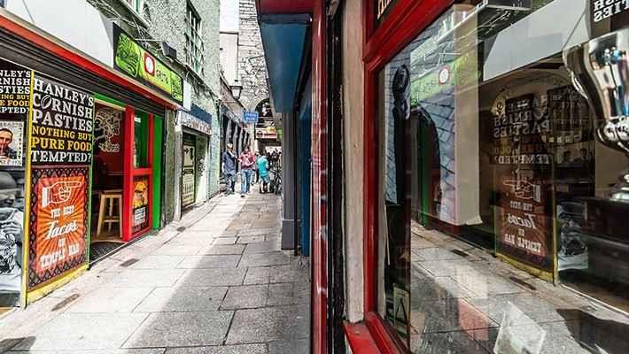 temple-bar-tour-history-of-the-irish-pubs-2