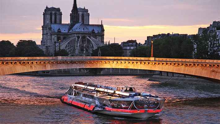 seine-river-cruise-with-lunch-3