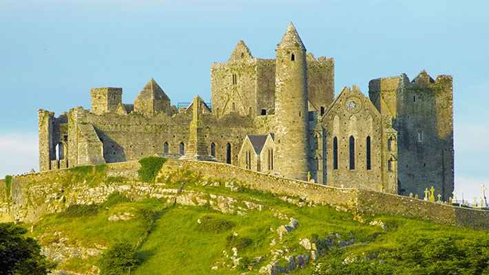 cork-rock-of-cashel-day-trip-2