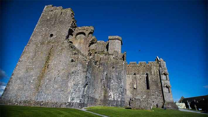 cork-rock-of-cashel-day-trip-6