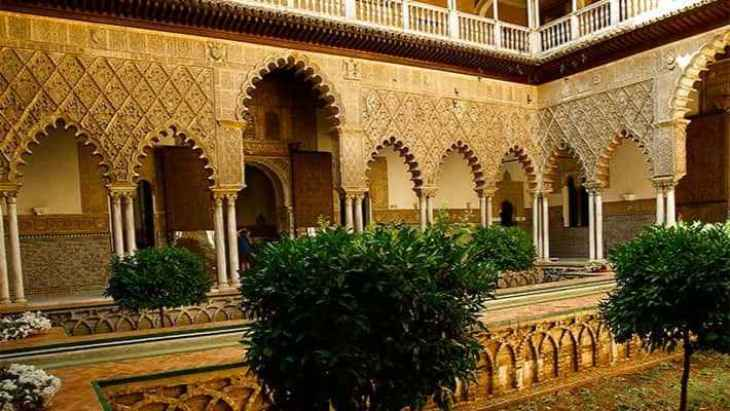 royal-alcazar-seville-tour-4