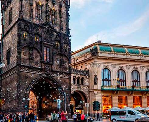 Que-ver-en-Praga-torre-polvorajpg.jpg.png