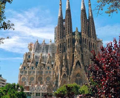 que-ver-en-barcelona-sagrada-familia.jpg