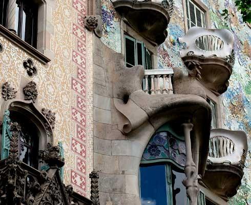 que-ver-en-barcelona-paseo-de-gracia.jpg