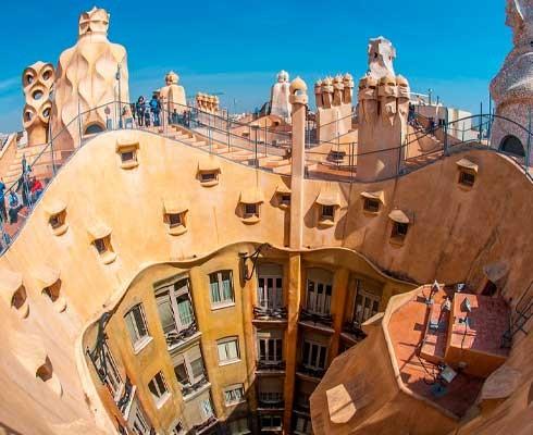que-ver-en-barcelona-pedrera.jpg