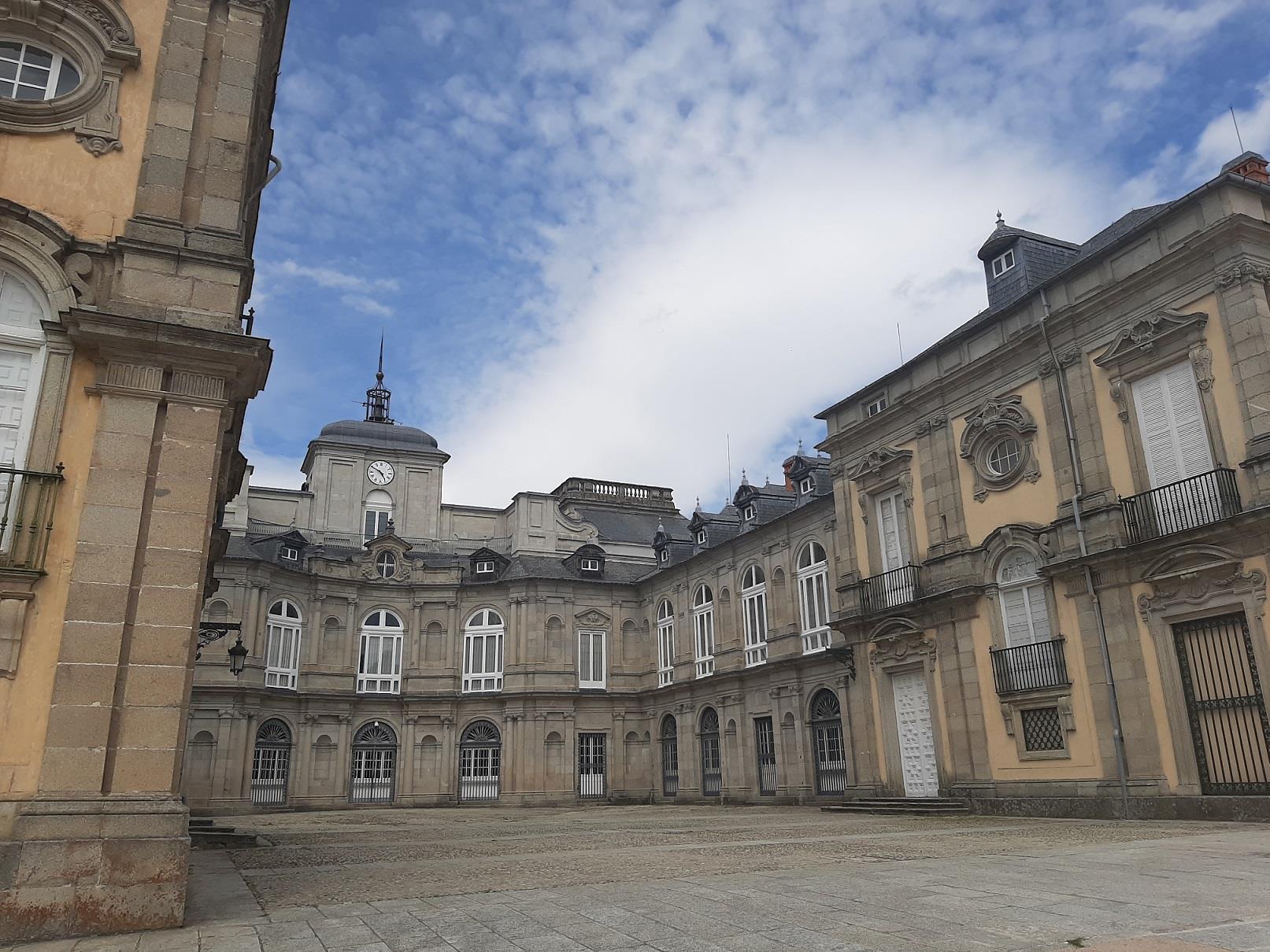 Royal-Palace:-La-Granja-and-Riofrio-Guided-Visit-3