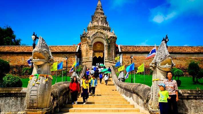 ruins-of-ayutthaya-guided-tour-2