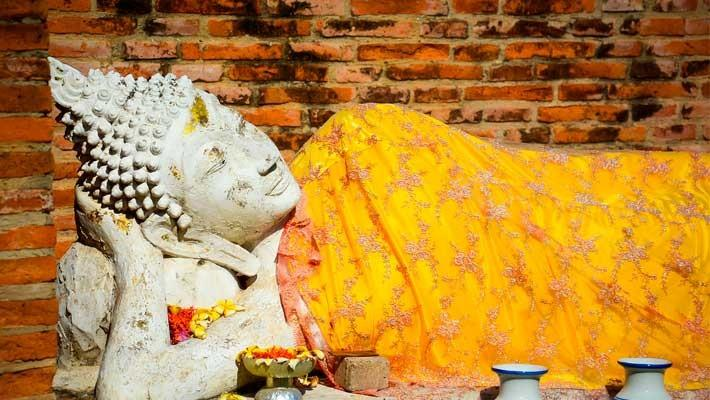ruins-of-ayutthaya-guided-tour-1