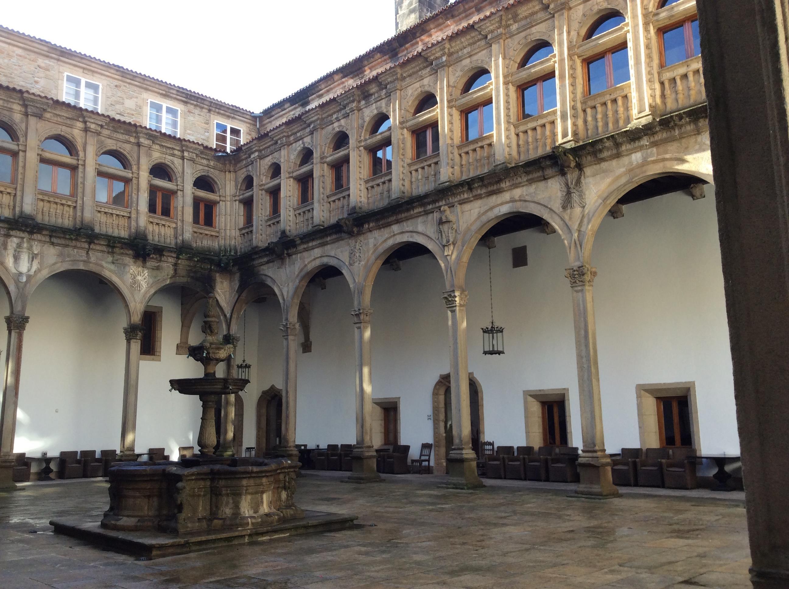 tour-hostal-de-los-reyes-catolicos-6