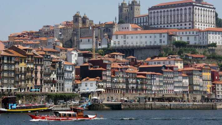 oporto-day-trip-from-santiago-3