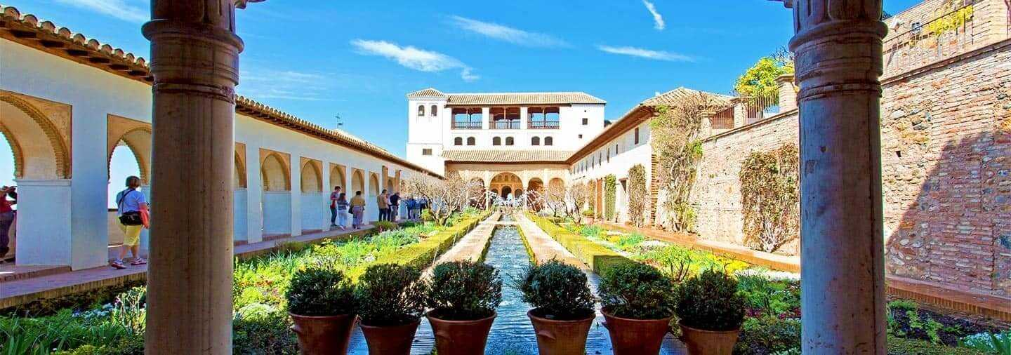 Alhambra of Granada and Generalife Tour