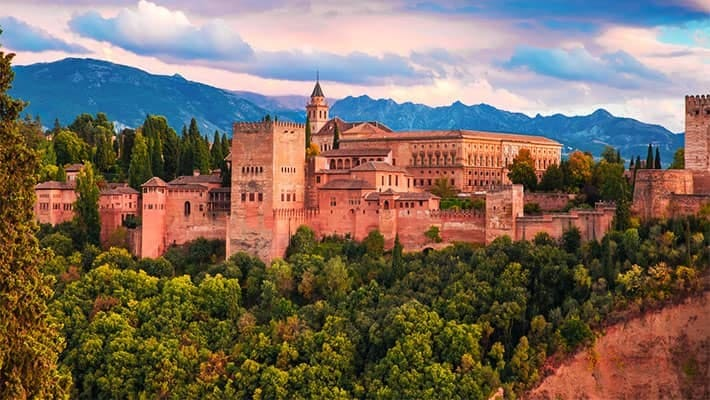 alhambra-of-granada-and-generalife-tour-4