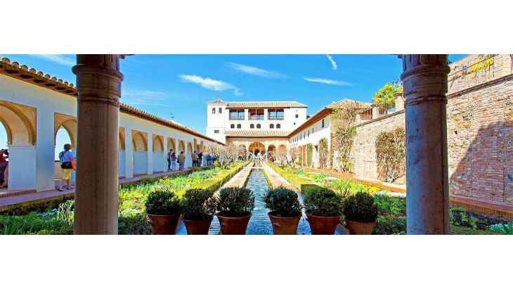 alhambra-of-granada-and-generalife-tour