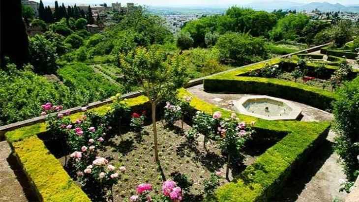 alhambra-of-granada-and-generalife-tour-3